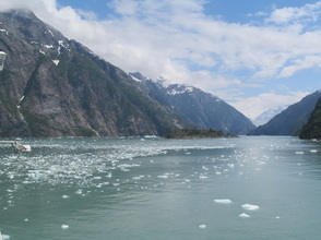 Tracy Arm Fjord - Appraoching Sawyer Glacier