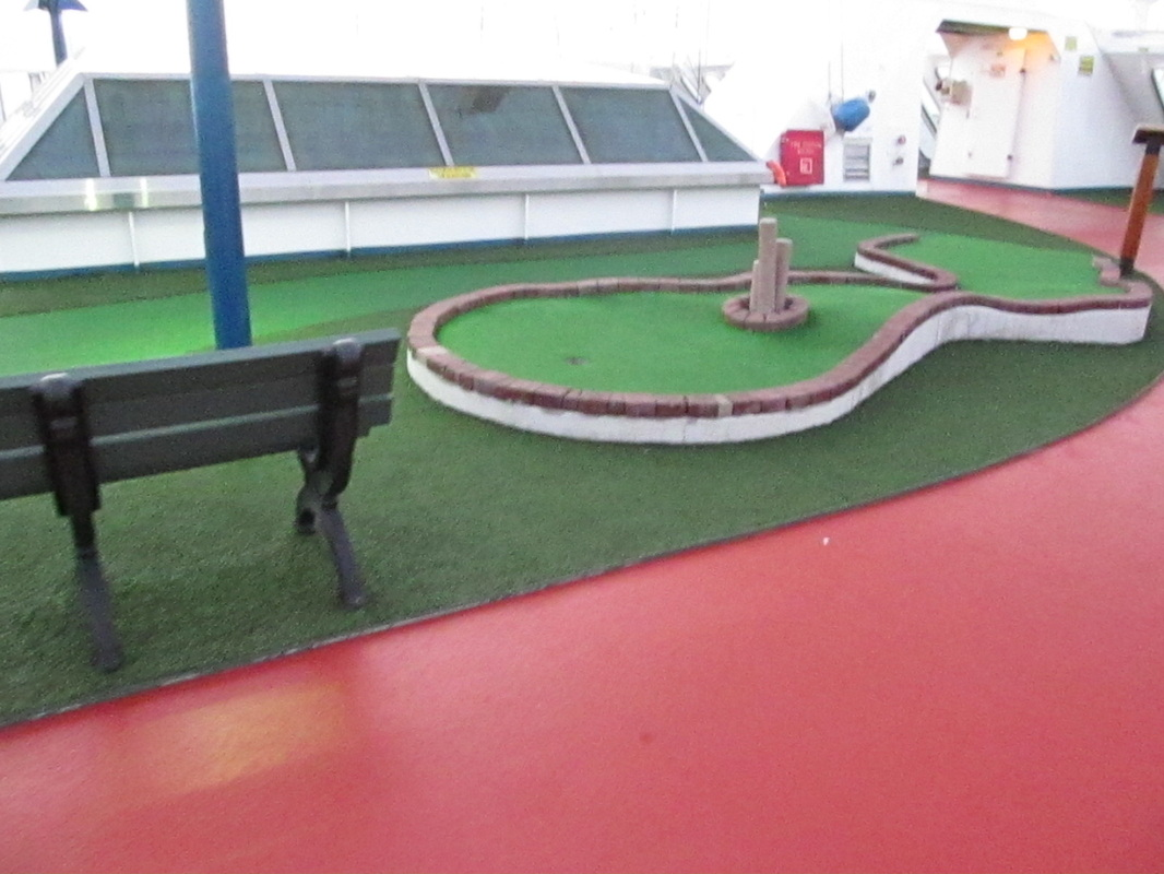Carnival Elation Mini Golf Course and Jogging Track