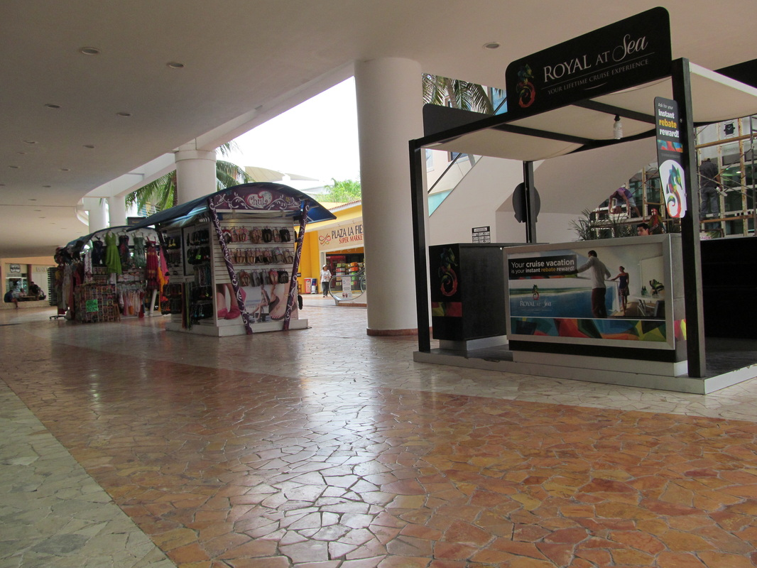 Shops at Punta Langosta