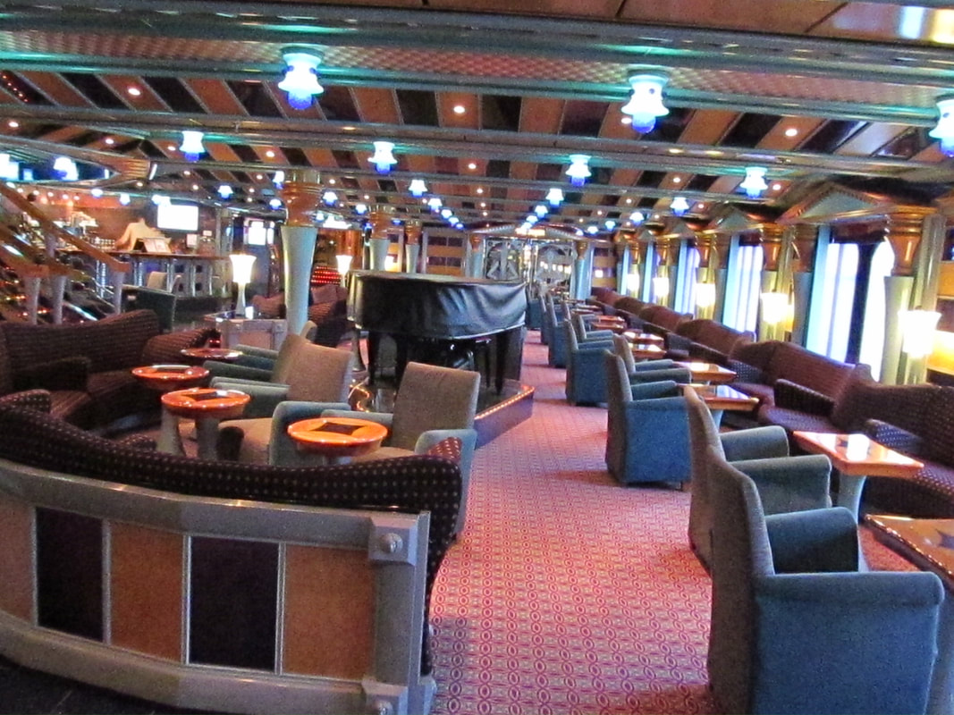 Carnival Miracle Fountainhead Cafe