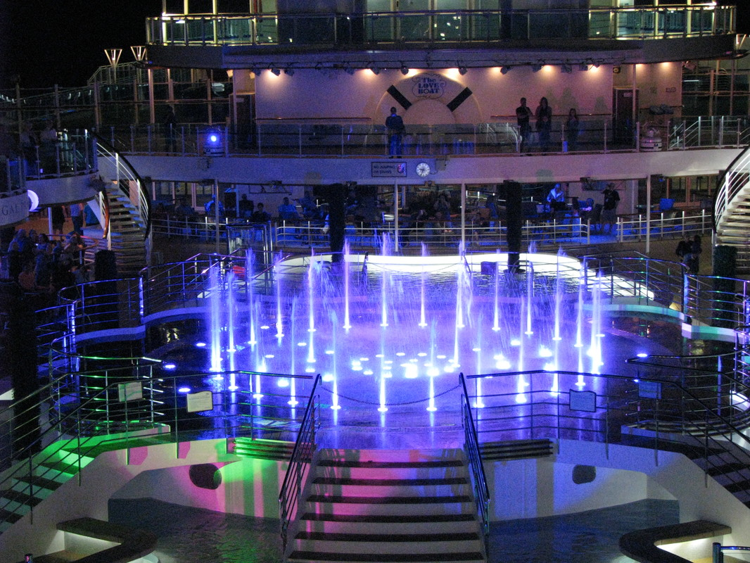 Regal Princess Waterfountain Show