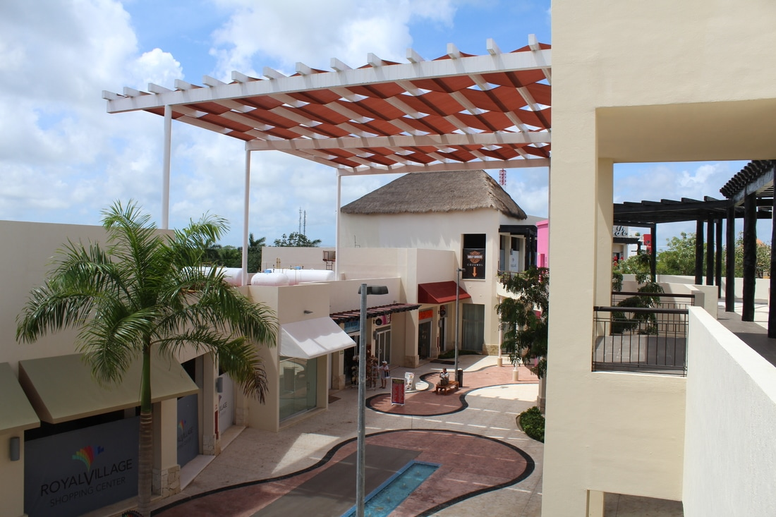 Shopping Mall Area in Cozumel