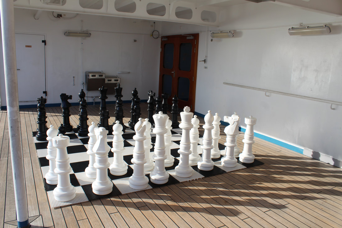 Carnival Valor Large Chess Pieces