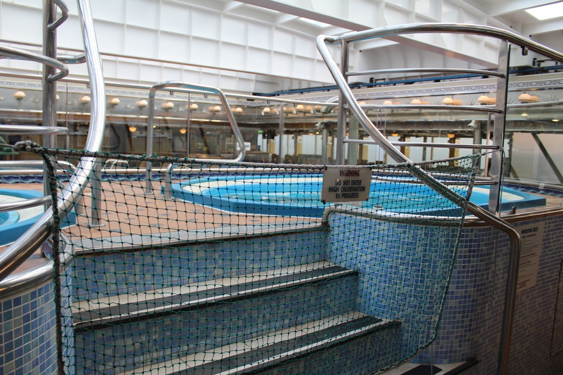 Carnival Valor Hottubs