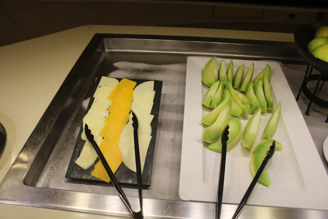 Carnival Valor Paris Hot Lounge