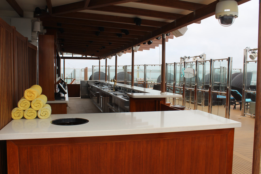 Carnival Vista Serenity Adults Only Retreat Bar Area