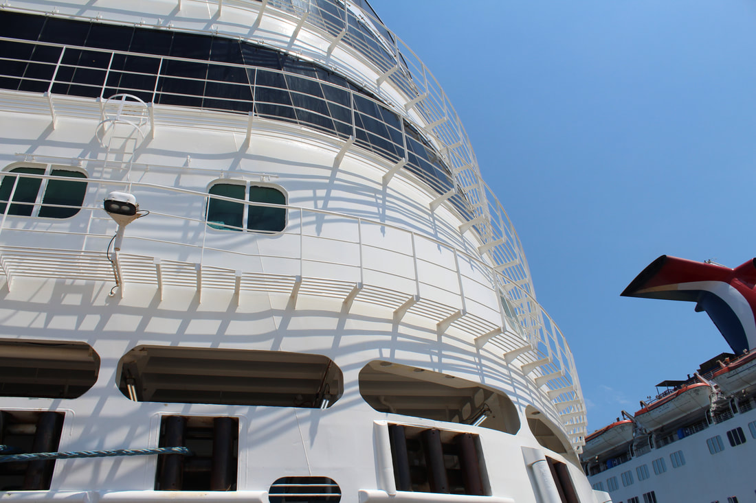 Carnival Vista Red Frog Pub Stage Area