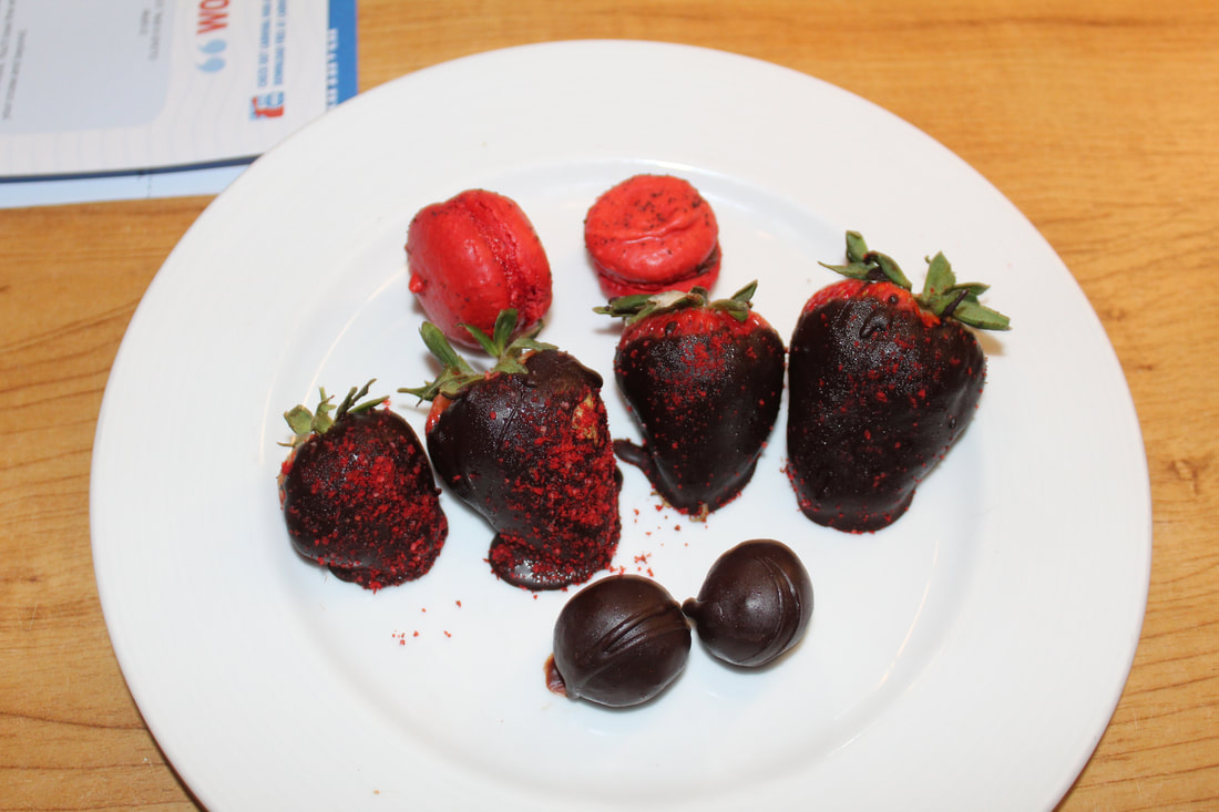 Carnival Vista Platinum Strawberry & Chocolate Plate