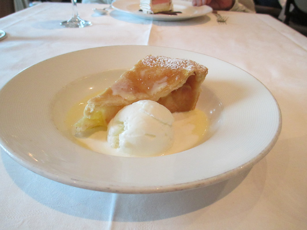 Apple pie with vanilla ice cream