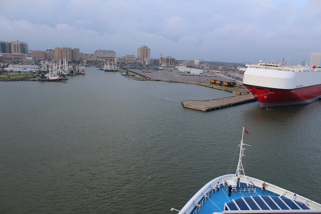 Carnival Valor Turning Around In Galveston